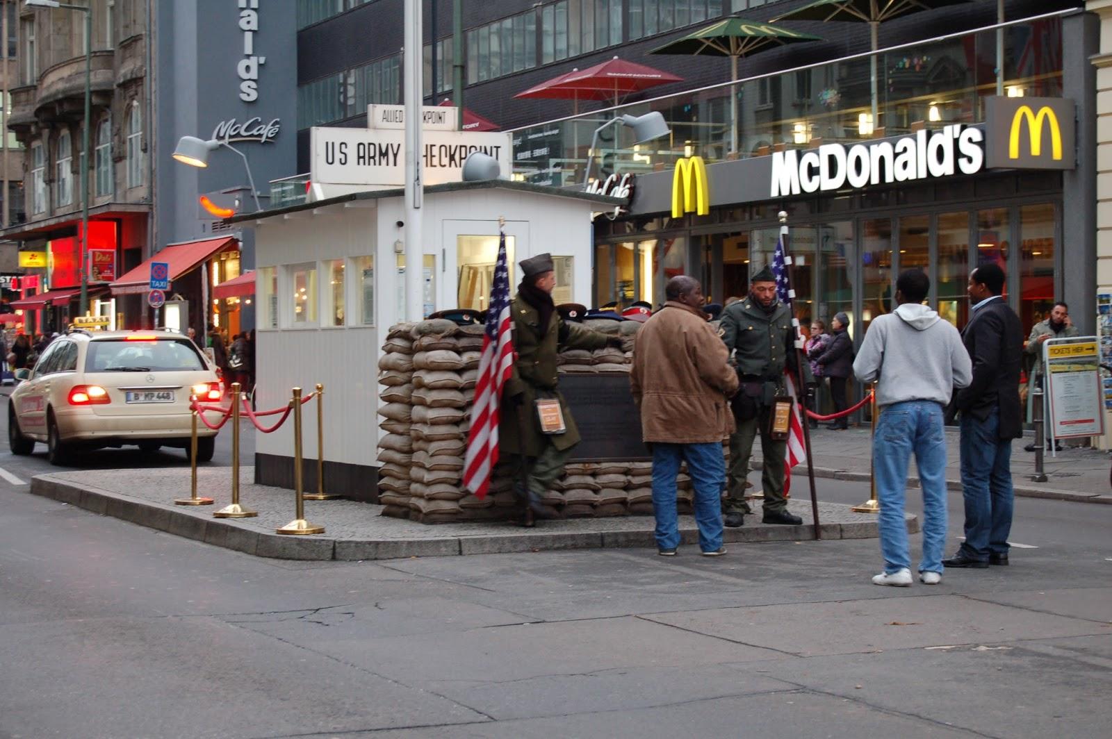 checkpoint Charlie i mur berliński