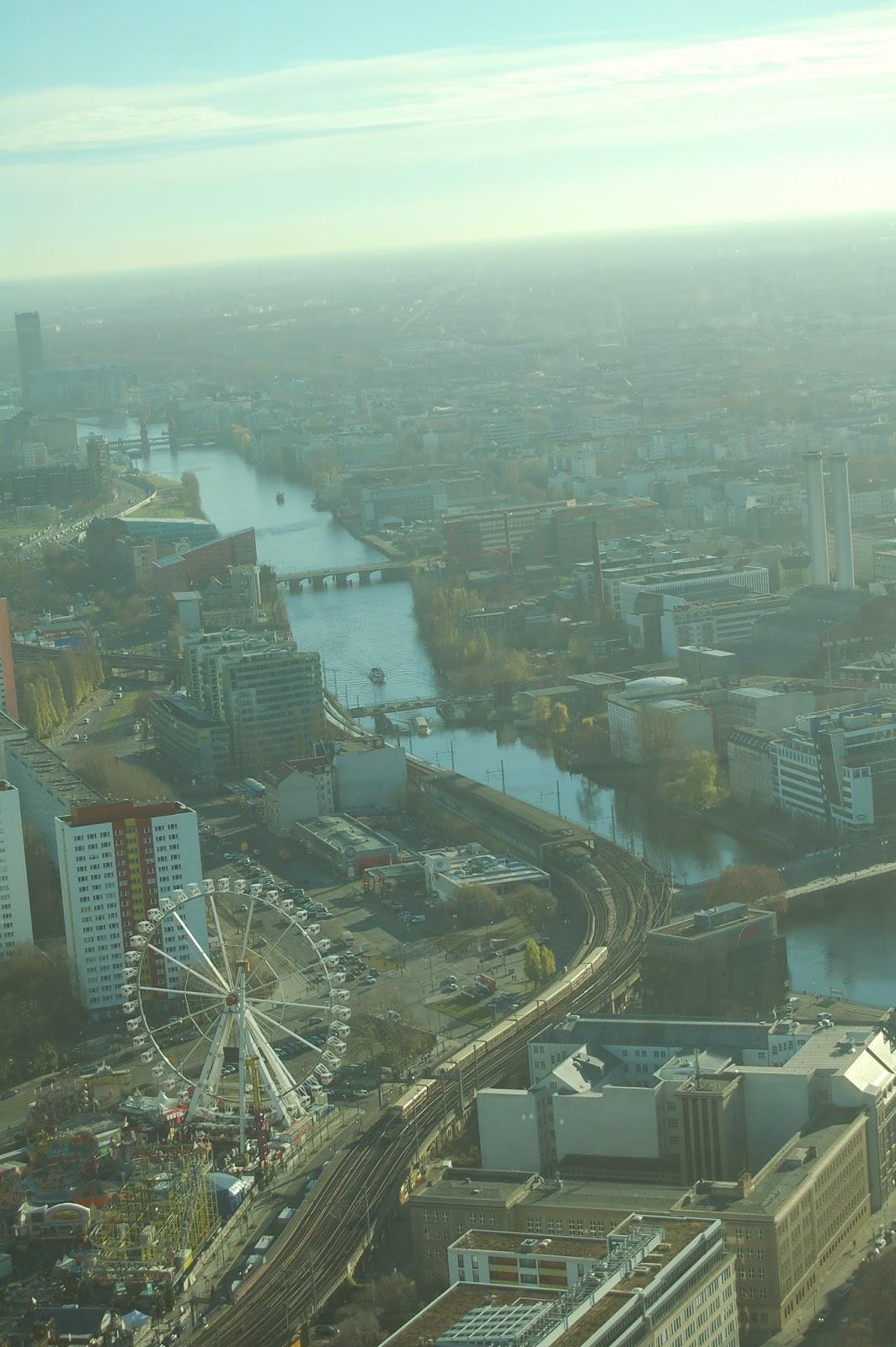 Alexanderplatz, Berlin, wieża telewizyjna, widok na miasto