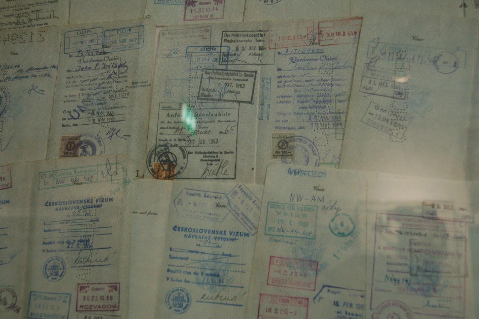 Muzeum Muru Berlińskiego, Berlin, dokumenty
