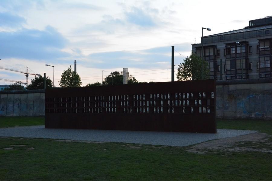 ofiary muru berlińskiego