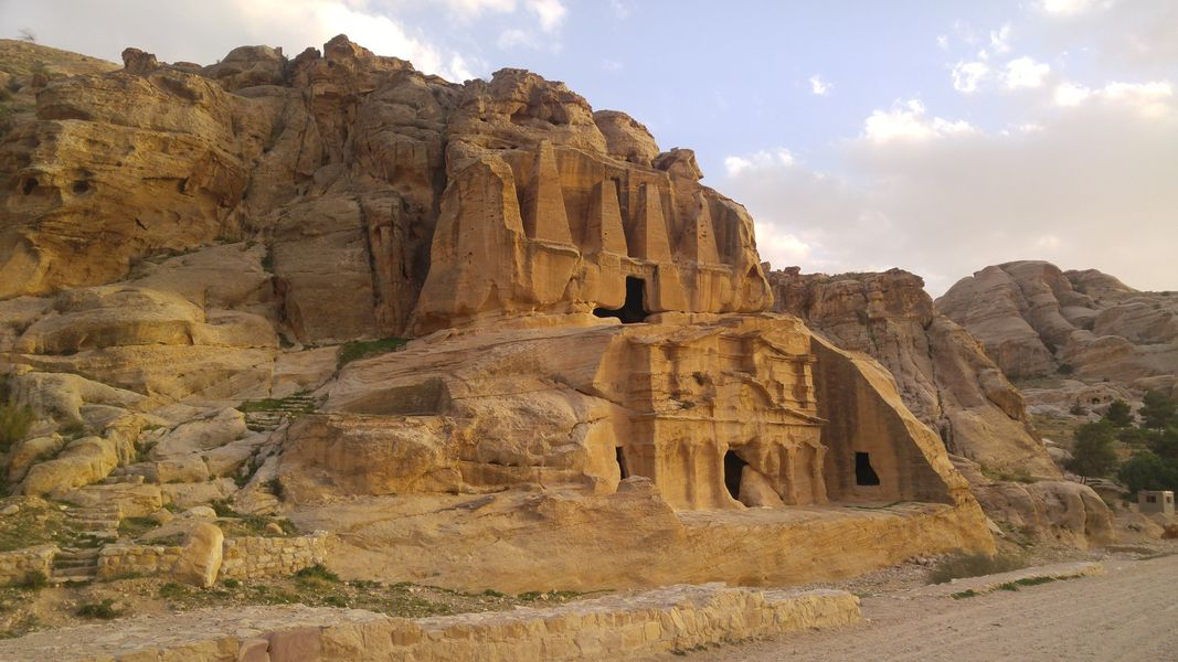 Petra Jordania Siq groby