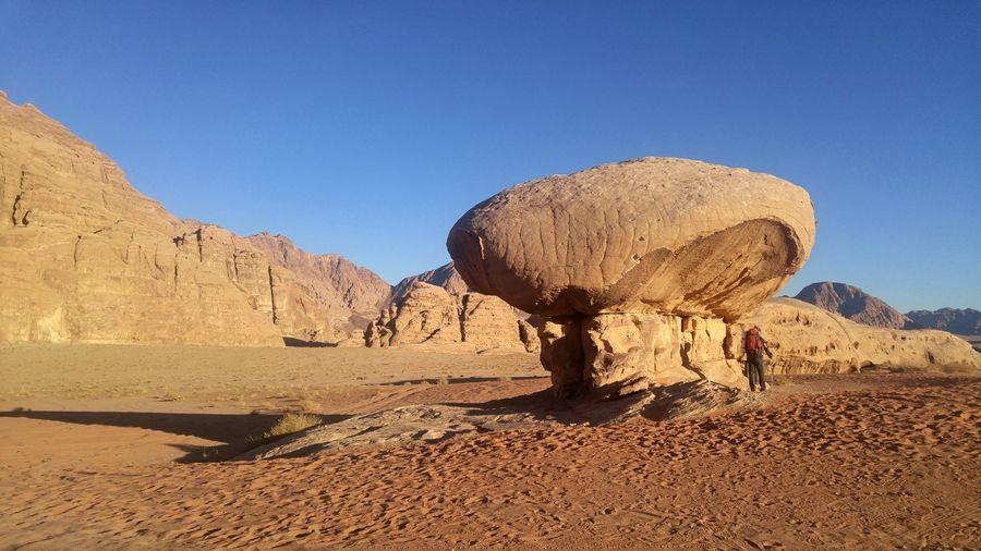 Szlaki na pustyni Wadi Rum