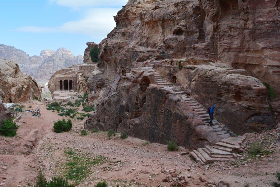 szlaki w Petrze, Wadi al Farasa