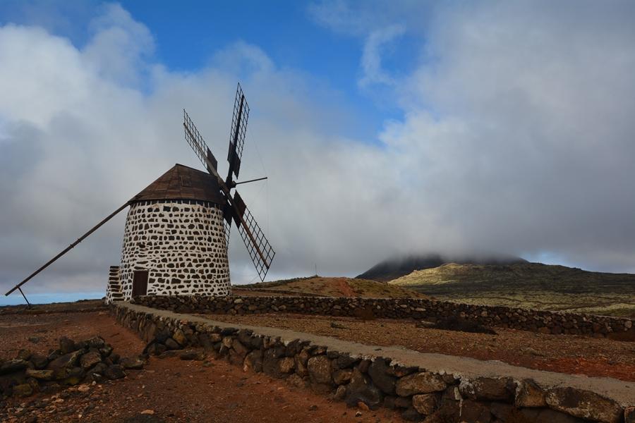 Fuerteventura, tu wiatraki mielą po żeńsku i męsku