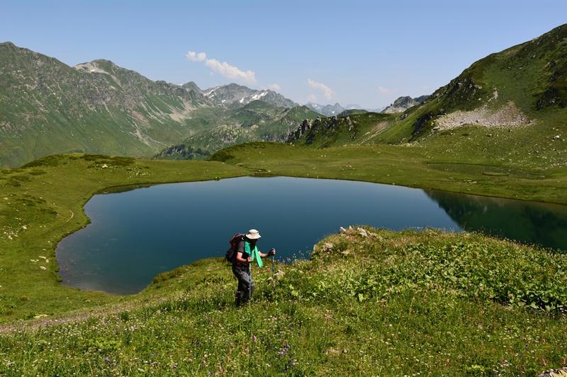 Abchazja – biwak, mamałyga i czacza, czyli na górskich szlakach Kaukazu