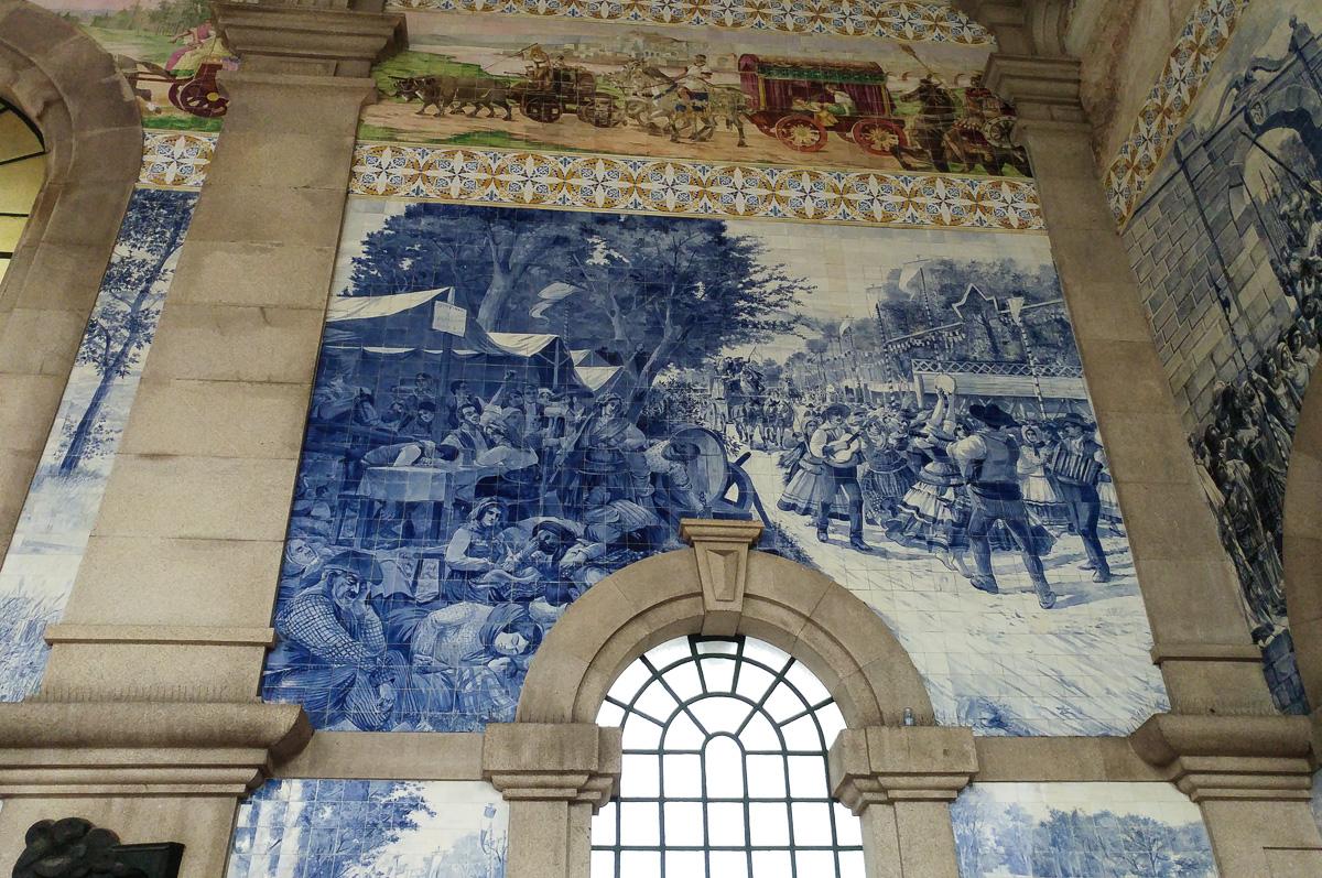 dworzec sao bento w Porto, azulejos, Portugalia