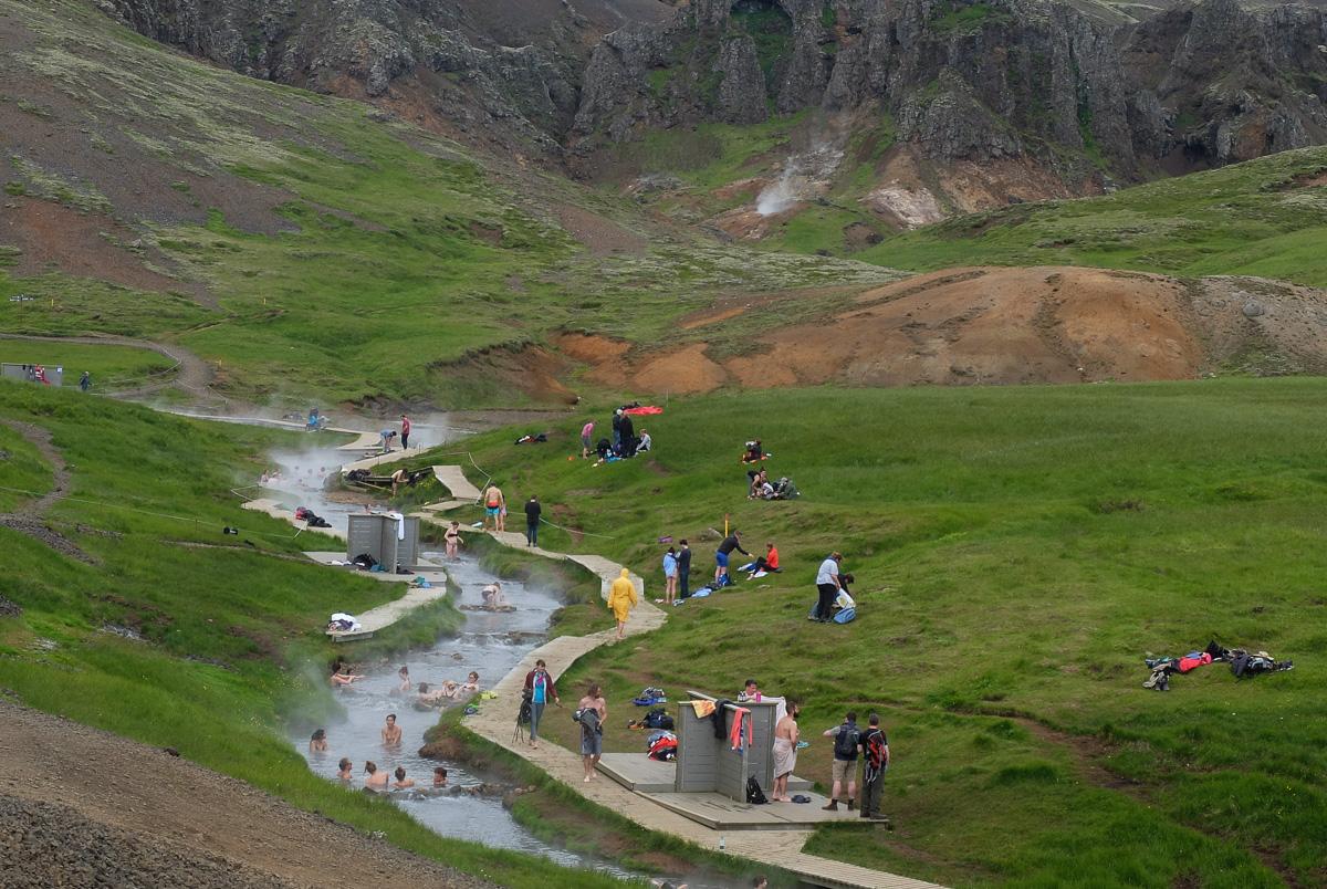 gorąca rzeka na Islandii, naturalne termy