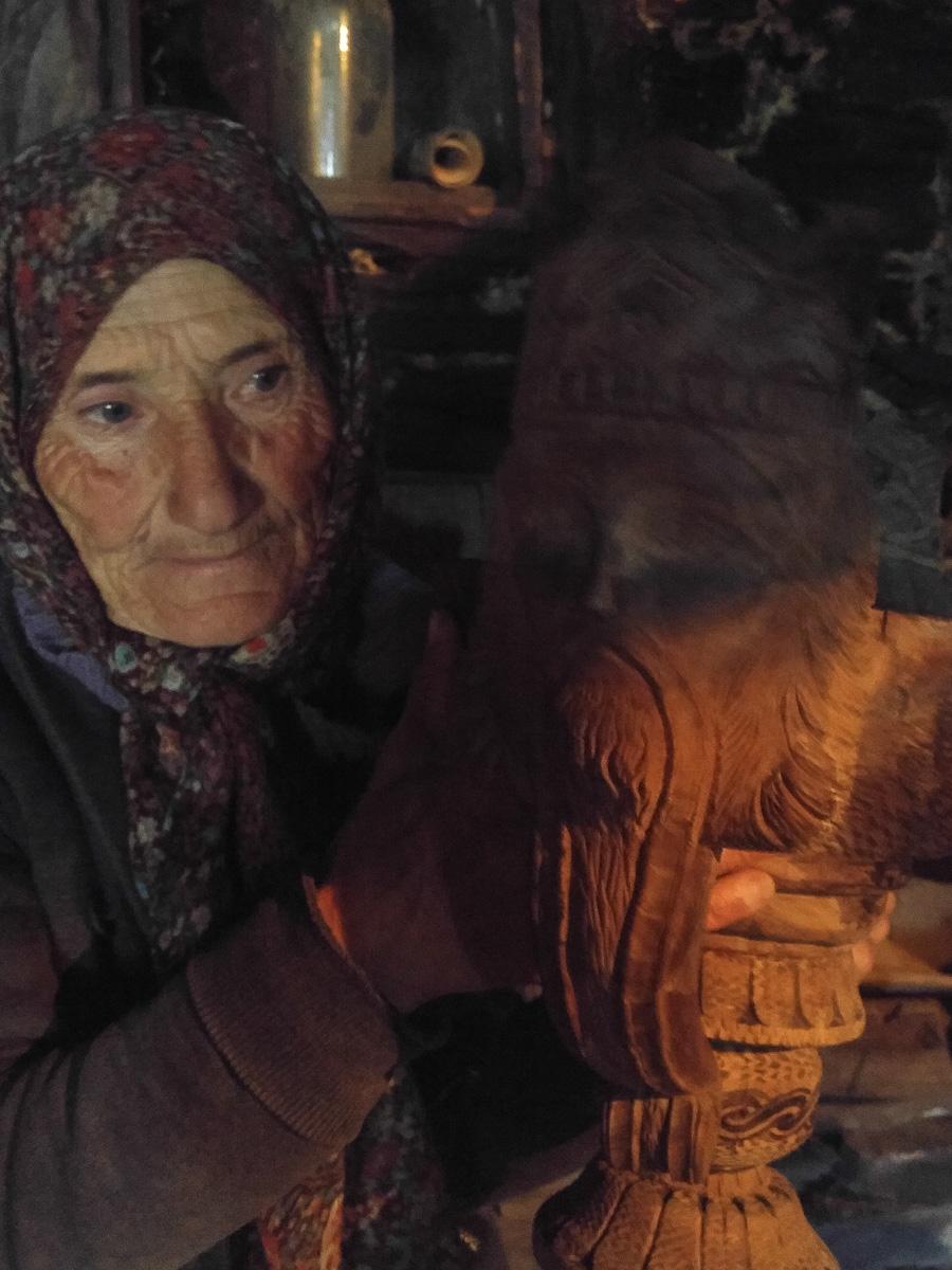 Swanka, pracownik muzeum w Uszguli