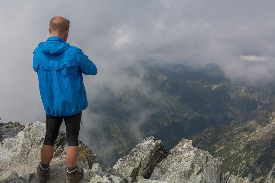 szczyt Krywania w chmurach, Słowacja, Tatry