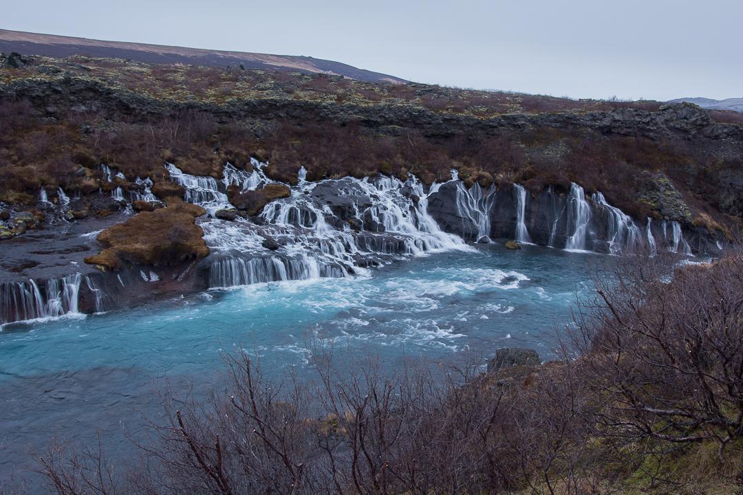 wodospad Hraunfossar, Islandia