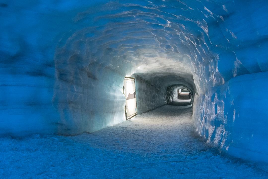 tunel lodowy, lodowiec Langjokull, Islandia