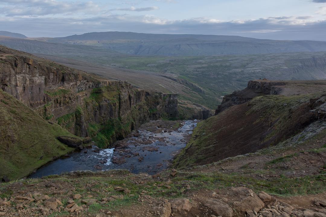 rzeka powyżej wodospadu Glymur, Islandia