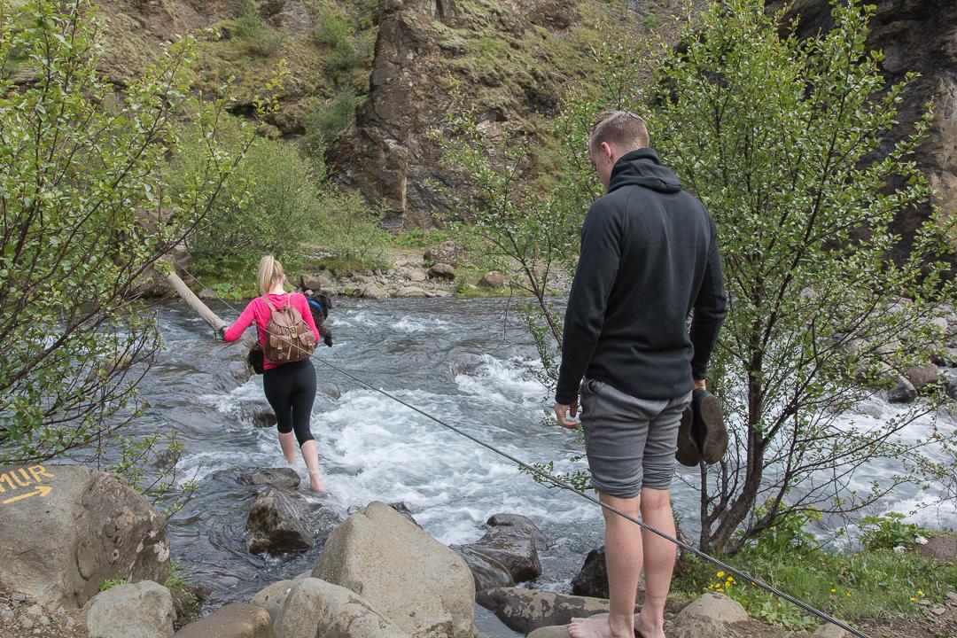 mostek na rzece Botnsa, szlak do Glymura