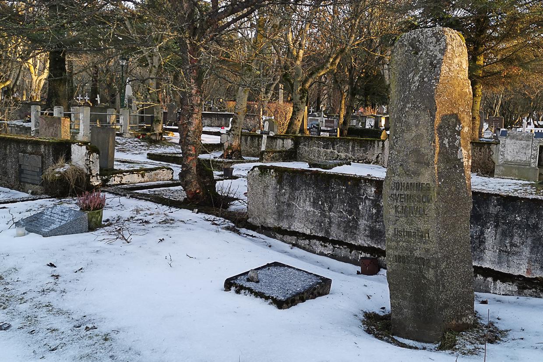 Hólavallagarður, stary cmentarz w Reykjaviku, nagrobek Kjarvala, Kjarval