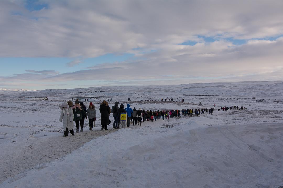tłumy na Złotym Kręgu, Islandia zimą