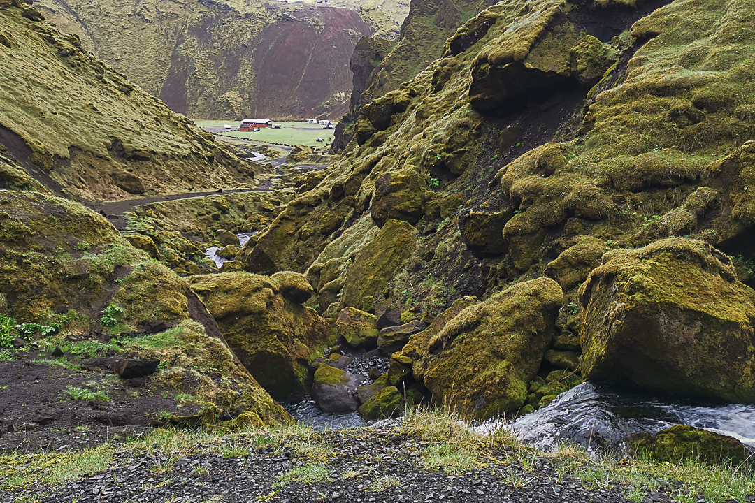Þakgil, kemping i dolina