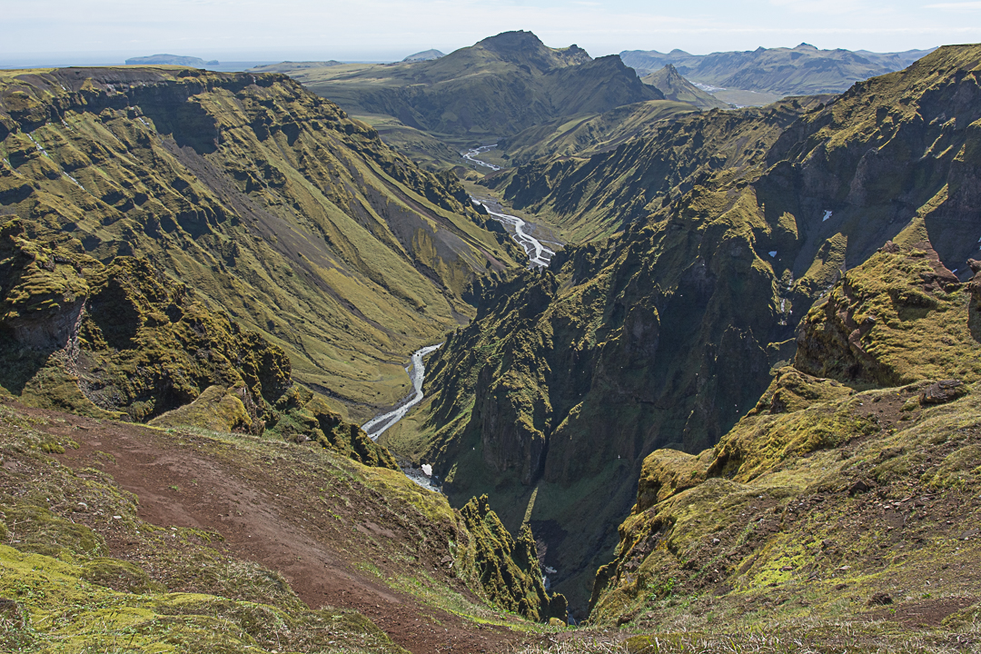 szlak czerwony na Mælifell, szlaki z Þakgil, kanion Raufargil
