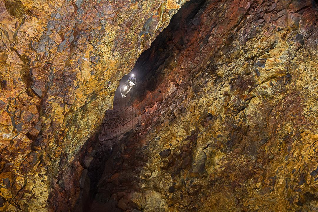Þríhnúkagígur, zjazd windą do wnętrza wulkanu na Islandii